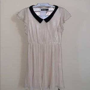 Peter Pan style neck pleated dress